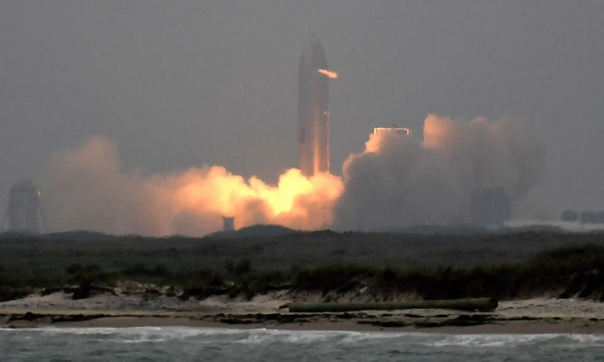 SpaceX test launches its SN15 Starship prototype on 5 May in Boca Chica, Texas. Photograph: Gene Blevins/ZUMA Wire/REX/Shutterstock